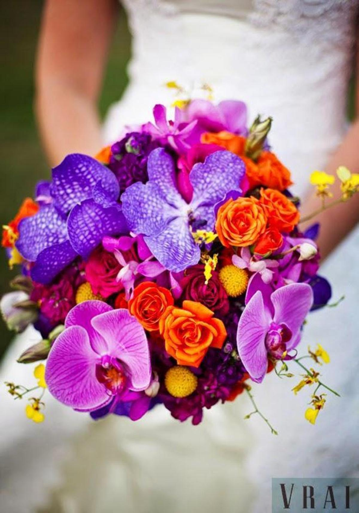 12-stunning-wedding-bouquets-32nd-edition-belle-the-magazine-the-wedding-blog-for-the-sophisticated-bride-432-int
