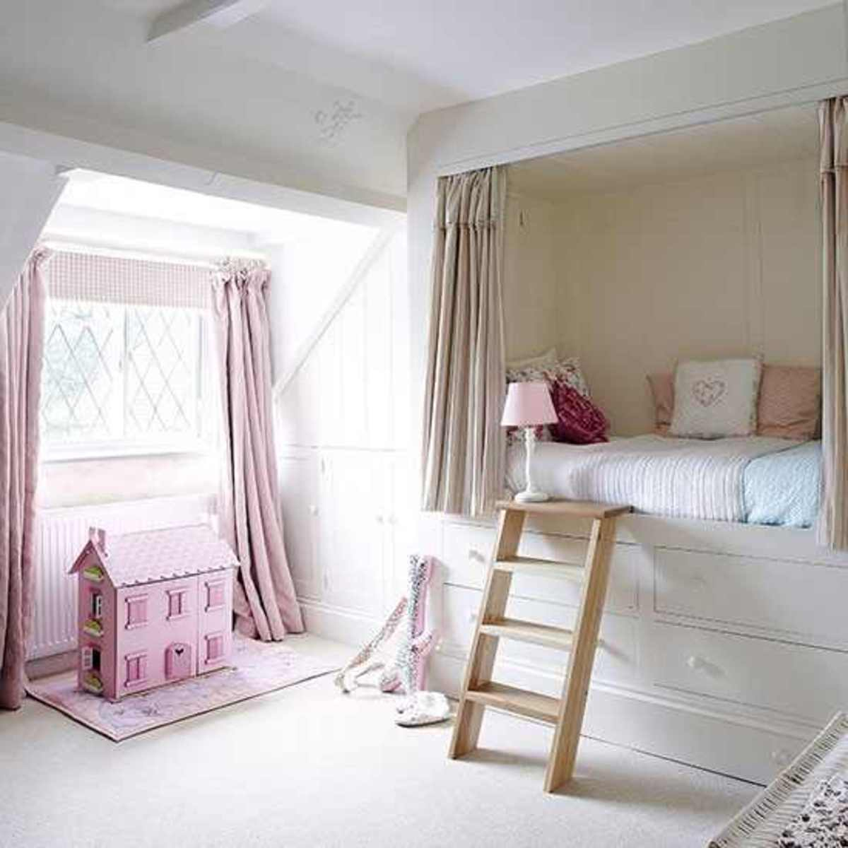 Girls-bedroom-with-built-in-bed--Country-Homes-and-Interiors--Housetohome.co.uk