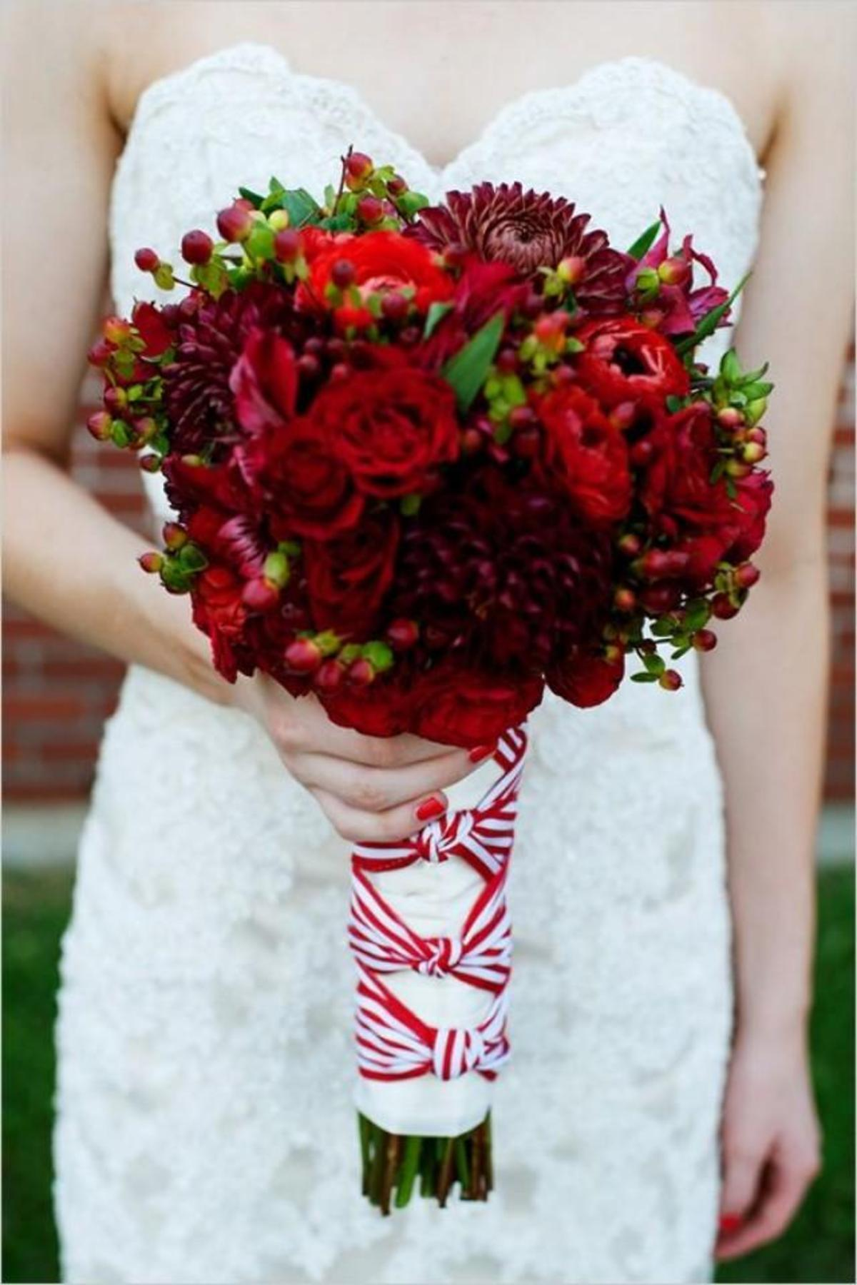 diy-red-and-white-wedding