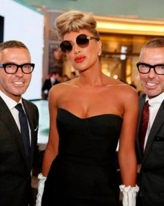 Maya-Diab-Offered-Gold-Shoes-in-Dubai7