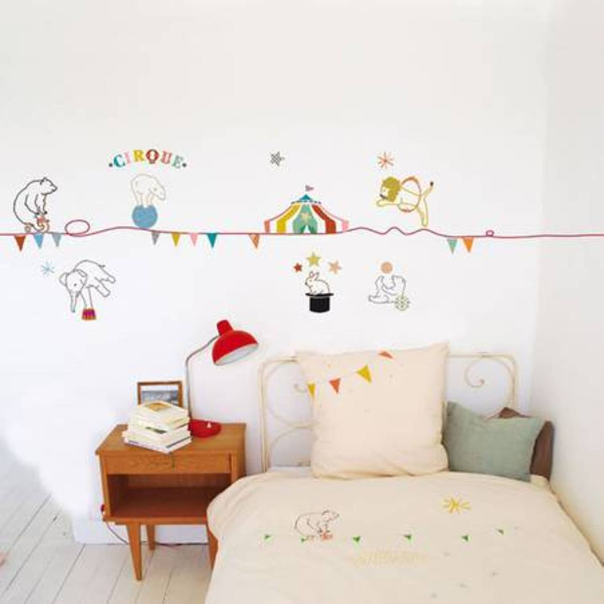 Une-chambre-d-enfant-ambiance-cirque_reference2
