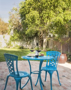 front-yard-outfitted-set-bistro-chairs-table