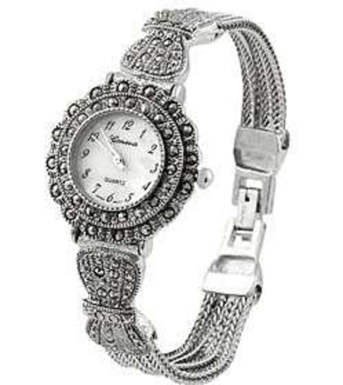 GENEVA WOMEN'S MARCASITE ANTIQUE WATCH:
