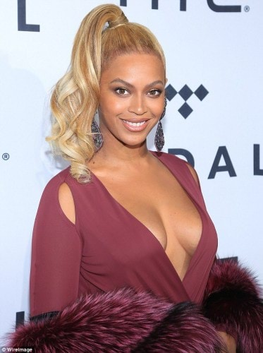 2D9CE49000000578-3282164-Not_a_nice_thing_to_do_Mathew_63_used_to_manage_Beyonce_and_her_-m-143_1445395452095