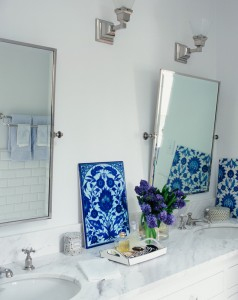 Phenomenal-Oval-Decorative-Mirrors-Decorating-Ideas-Gallery-in-Bathroom-Traditional-design-ideas-
