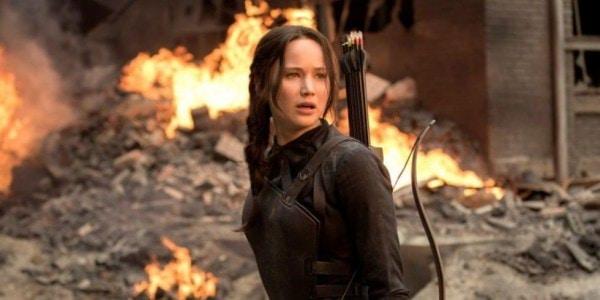 1446126541-landscape-1446063703-the-hunger-games-mockingjay-part-1-jennifer-lawrence-as-katniss