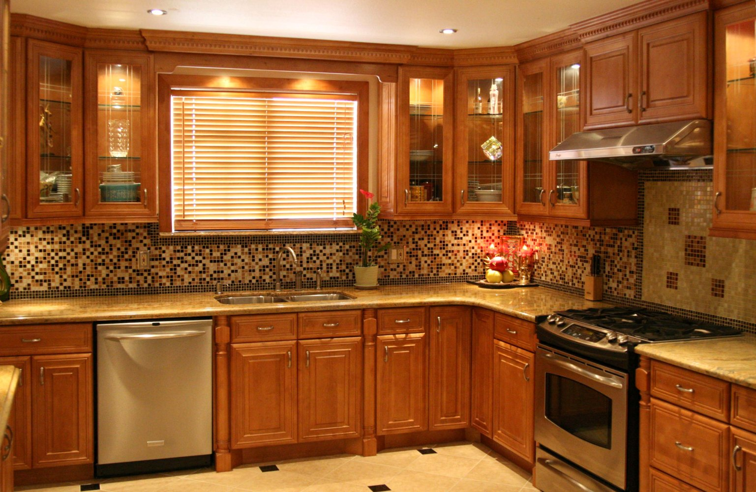 paint-colors-for-kitchens-with-light-maple-cabinets