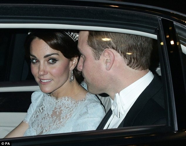 2F2F9A7500000578-3351607-Kate_paid_touching_tribute_to_the_famous_princess_who_she_will_n-m-2_1449630290548