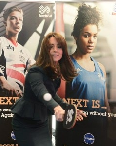 2F34705F00000578-3352323-Kate_33_showed_off_her_backhand_as_she_got_stuck_into_the_game_o-a-239_1449673900219