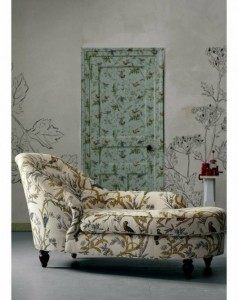 Rustic-leaves-Pattern-Doors-Wallpaper-Design-with-Nice-Retro-Colors-and-Nice-pattern-Sofa-Design