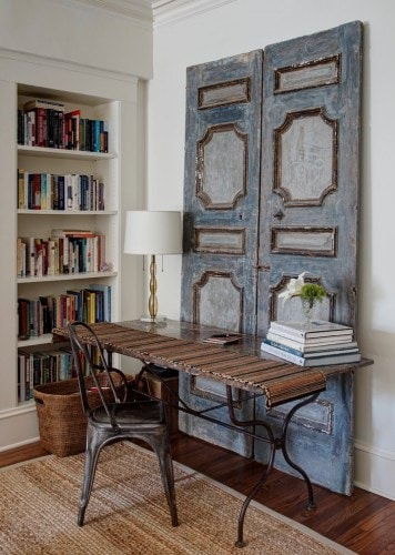 door-decorations-shabby-chic-style-home-office-with-built-in-bookcase