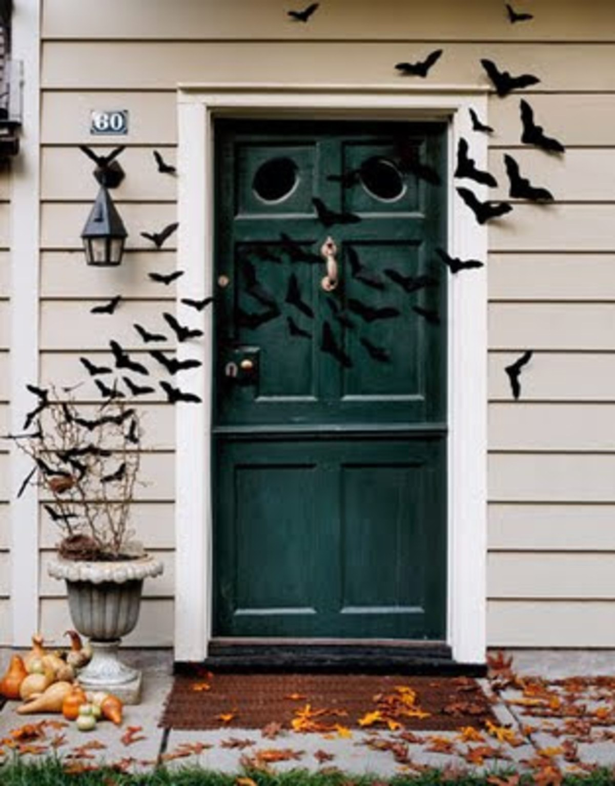 halloween-decor-ideas-entryway-front-door-fall-bats-remodelaholic.com_