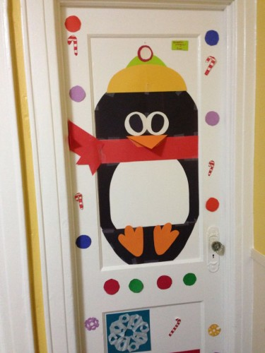 terrific-penguin-door-decoration
