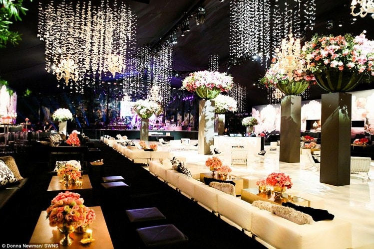 3207593300000578-3483958-Opulent_decorations_at_the_party_included_flowers_and_butterflie-a-18_1457538440791