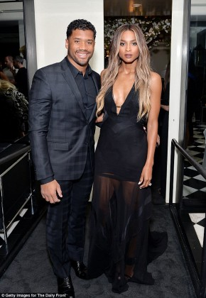 326A742C00000578-3502222-Hot_stuff_Newly_engaged_couple_Ciara_and_Russell_Wilson_looked_g-a-32_1458542286081