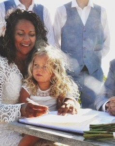 3282539600000578-3507193-The_pair_exchanged_vows_at_a_very_low_key_wedding_in_front_of_13-a-38_1458794683000