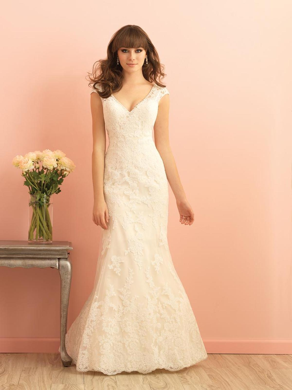 simple-mermaid-lace-wedding-dress-cap-sleeves-open-back-1