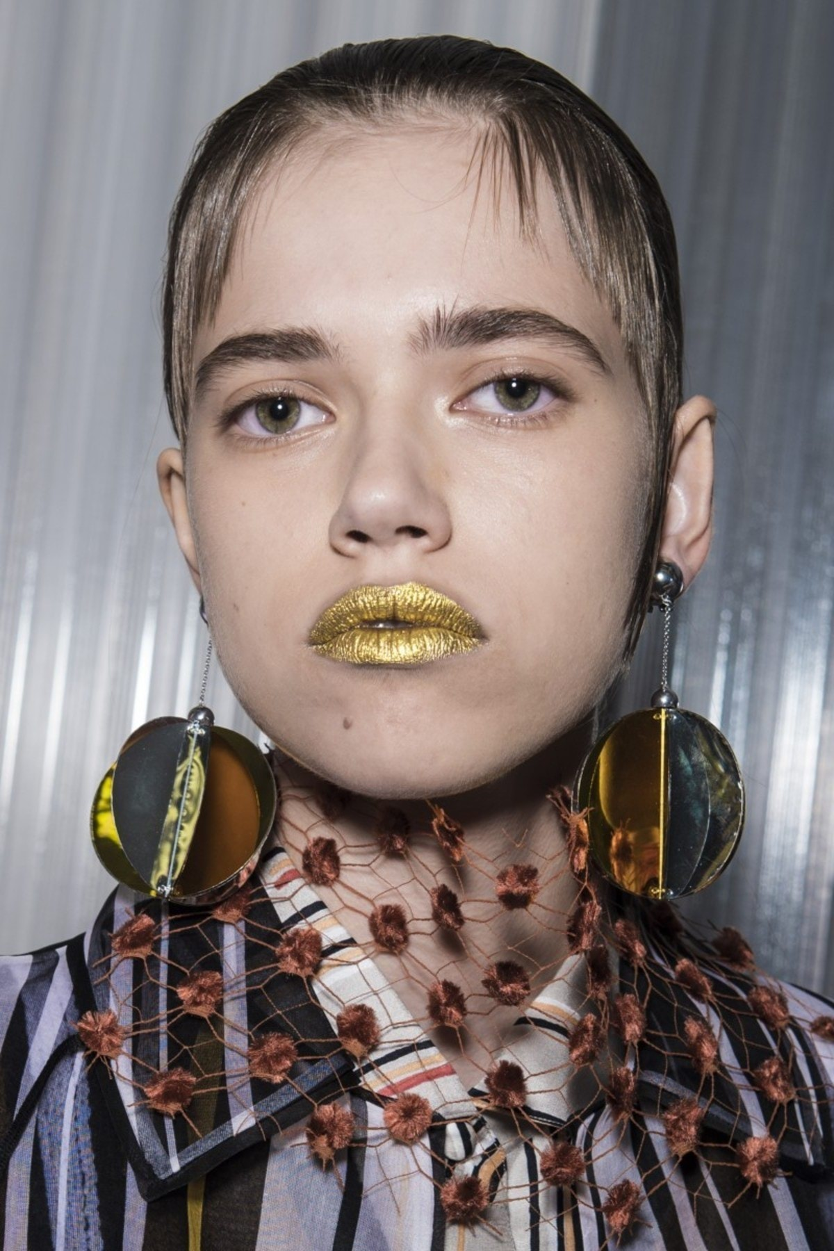 spring-beauty-2016-trends-glitter-prada