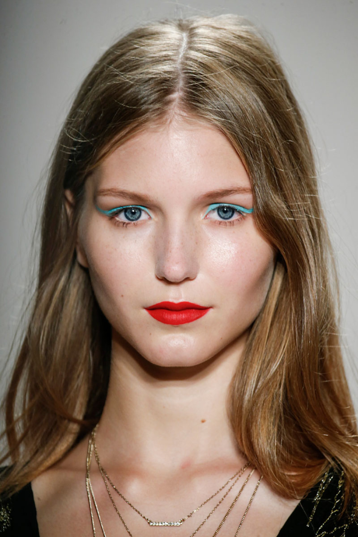 spring-beauty-2016-trends-red-lips-jenny-packham