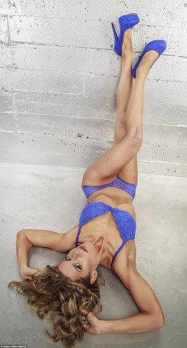 32E431E200000578-3525976-Donna_has_entered_two_bikini_fitness_contests_and_poses_in_sexy_-a-6_1459965362649