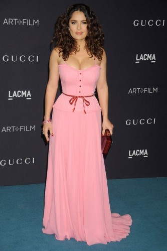 Salma-Hayek_glamour_9nov15_getty-b_426x639