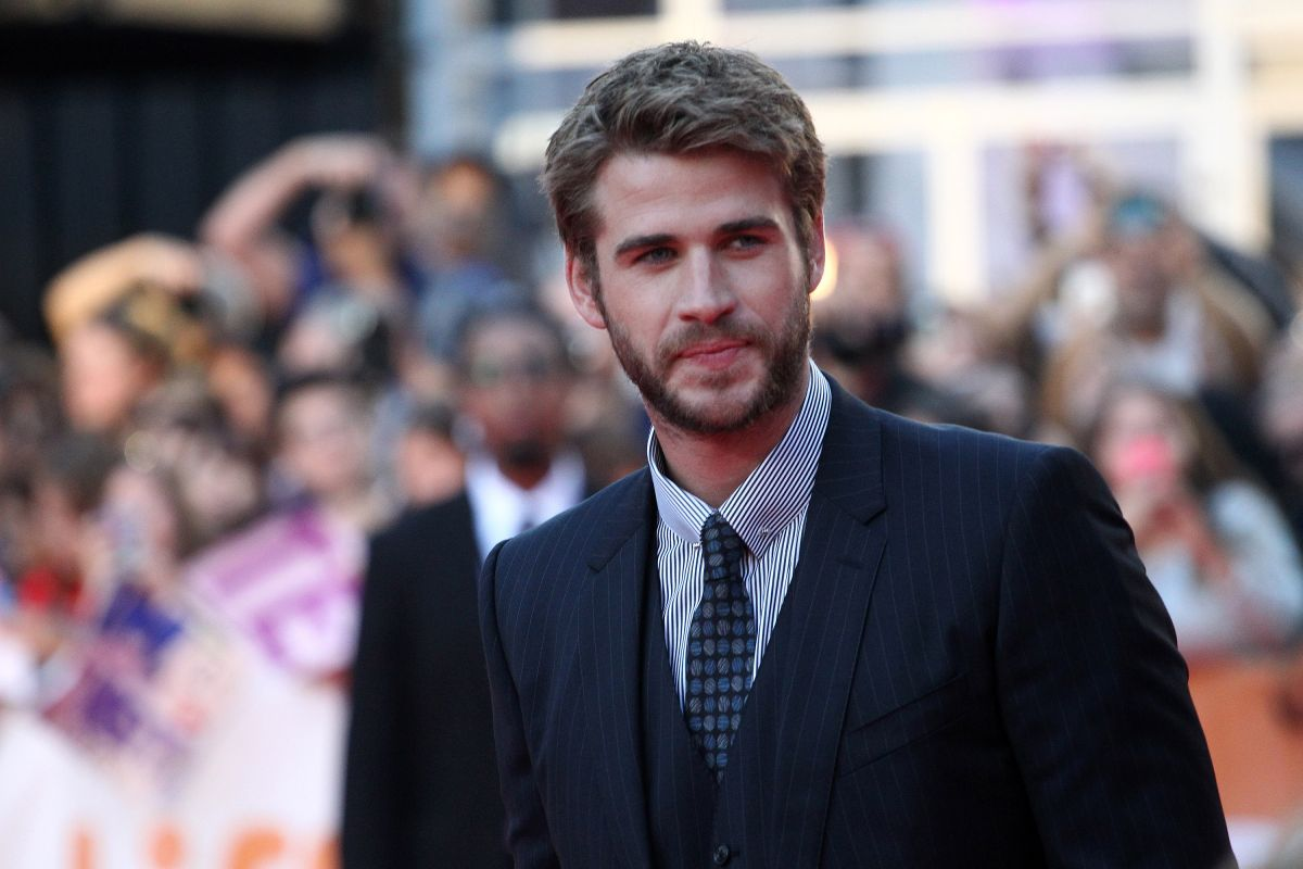 http-starity.hu-forum-topik-494631-liam-hemsworth-the-dressmaker-premiere-during-the-2015-toronto-international-film-festival-at-roy-thomson-hall-toronto-september-14-2015-_5