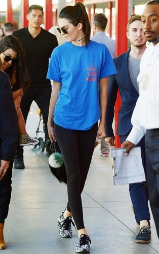 the-t-shirt-style-everyone-is-wearing-right-now-1728251-1460413867.600x0c