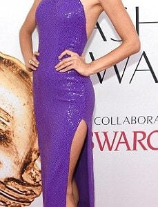 34FD445C00000578-3628375-Popping_in_purple_Alessandra_Ambrosio_wore_a_bold_asymmetric_dre-a-253_1465260627883