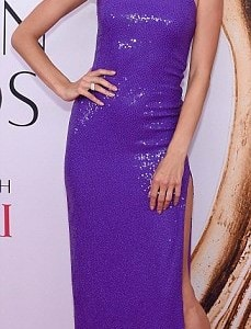 34FD4C4100000578-3628375-Popping_in_purple_Alessandra_Ambrosio_wore_a_bold_asymmetric_dre-m-250_1465260613592