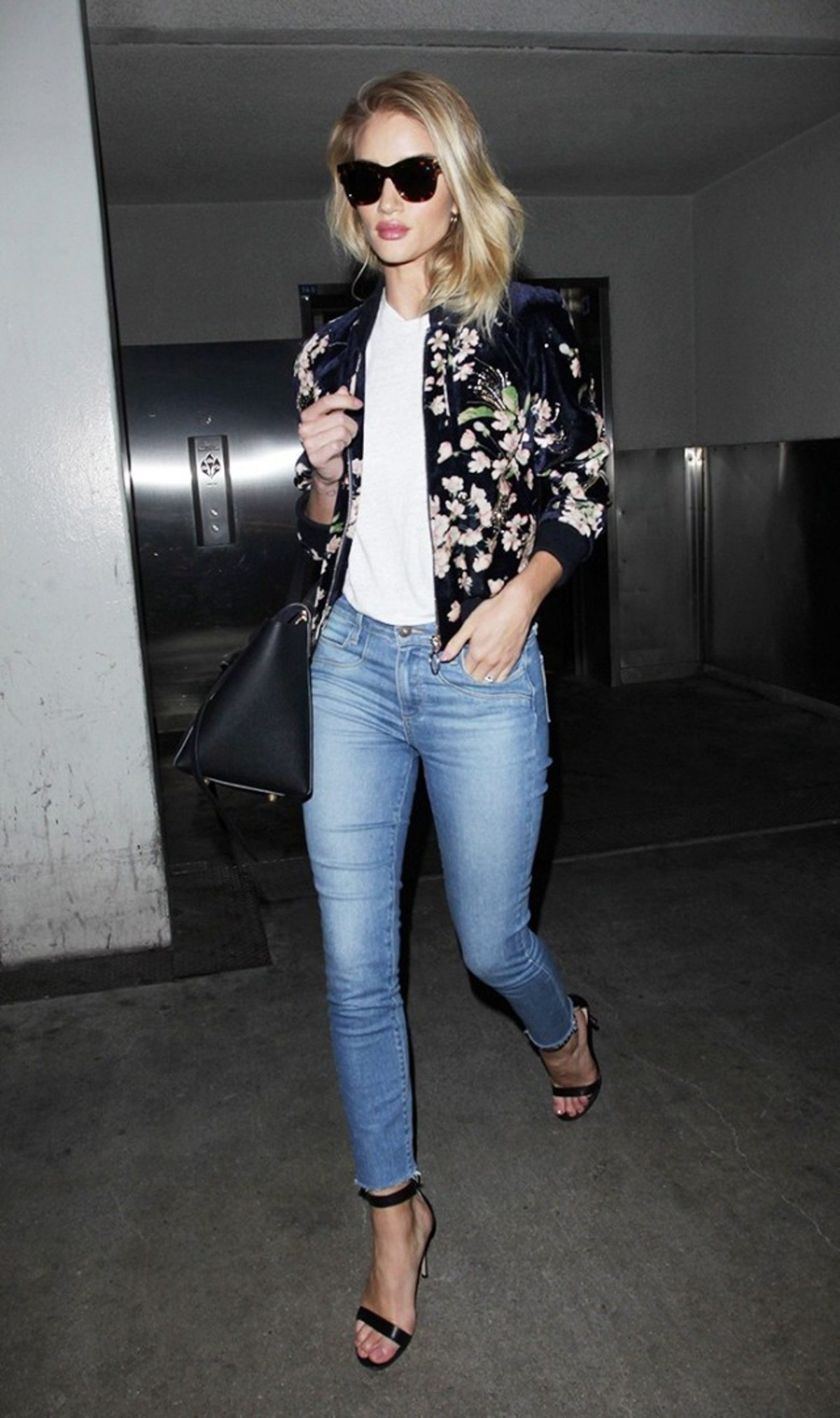 7-summer-airport-outfits-you-already-own-1808608-1466120029.640x0c
