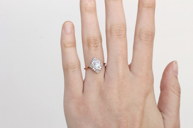 15-non-traditional-engagement-rings-the-everygirl (9)