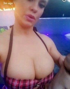 3626499600000578-3683952-Coco_Austin_enjoyed_a_dip_in_the_pool_on_Sunday_with_her_little_-a-84_1468213181216