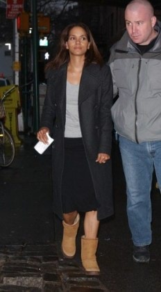 Halle Berry on set of The Perfect Strangers, NYC