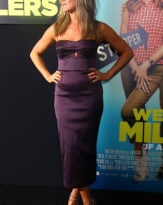 Is Jennifer Aniston Sporting A Baby Bump?