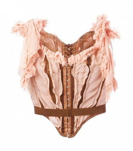 corset-tops-are-back-and-already-gaining-popularity-1833874-1468336201.600x0c