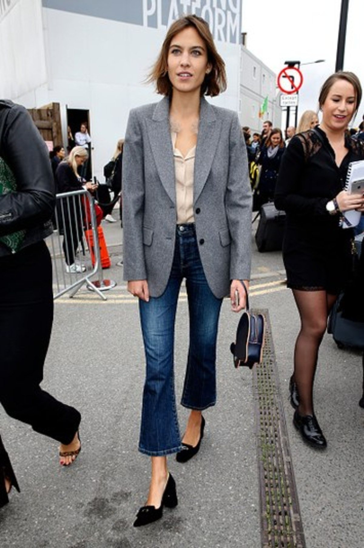 cropped-flare-jeans-alexa-chung