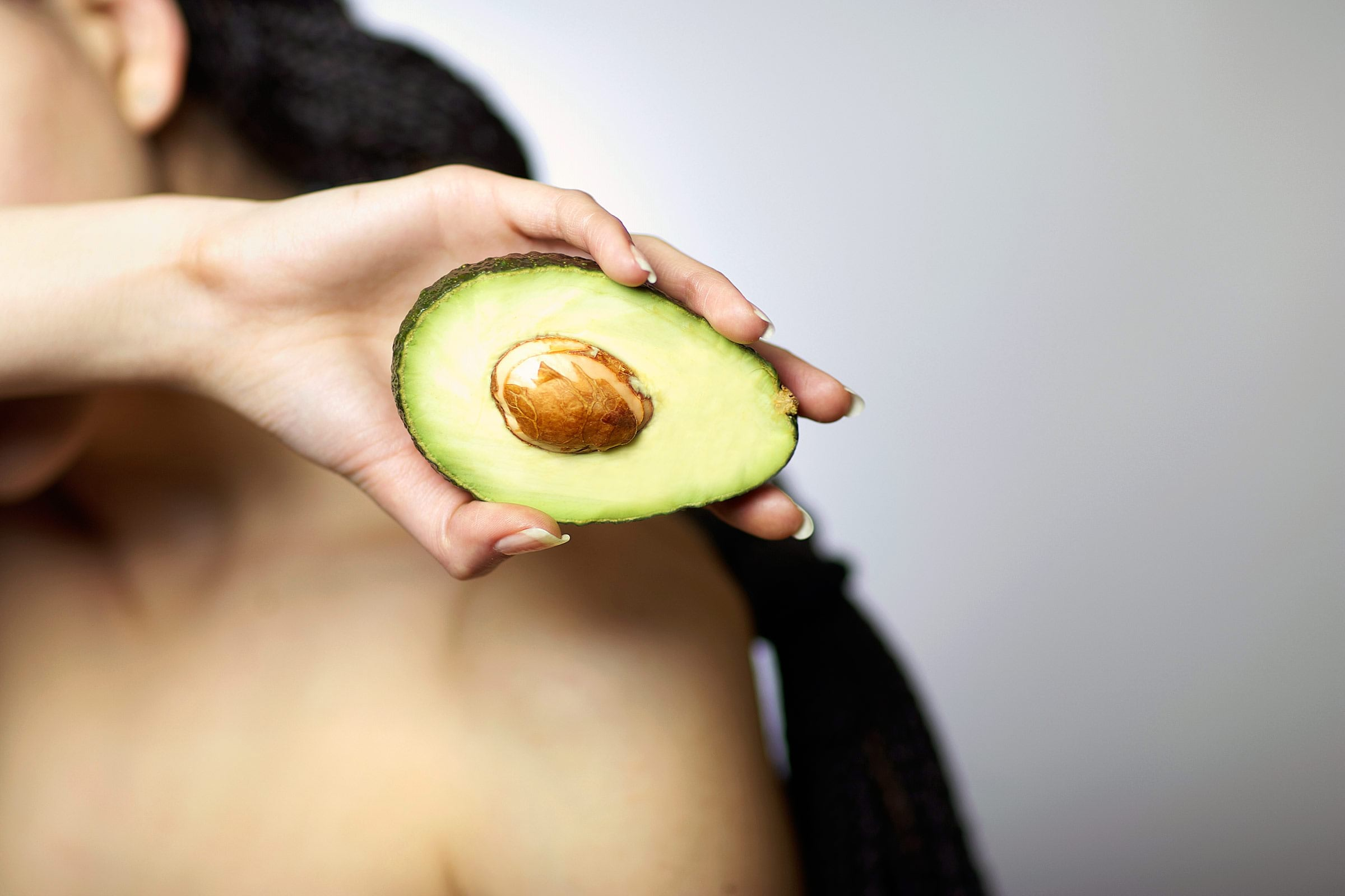 05-avocado-benefits-hair