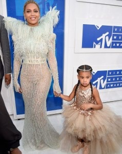 37AA111E00000578-3755431-Tutu_cute_Beyonce_brought_daughter_Blue_Ivy_as_her_date_to_the_M-a-51_1472425634223