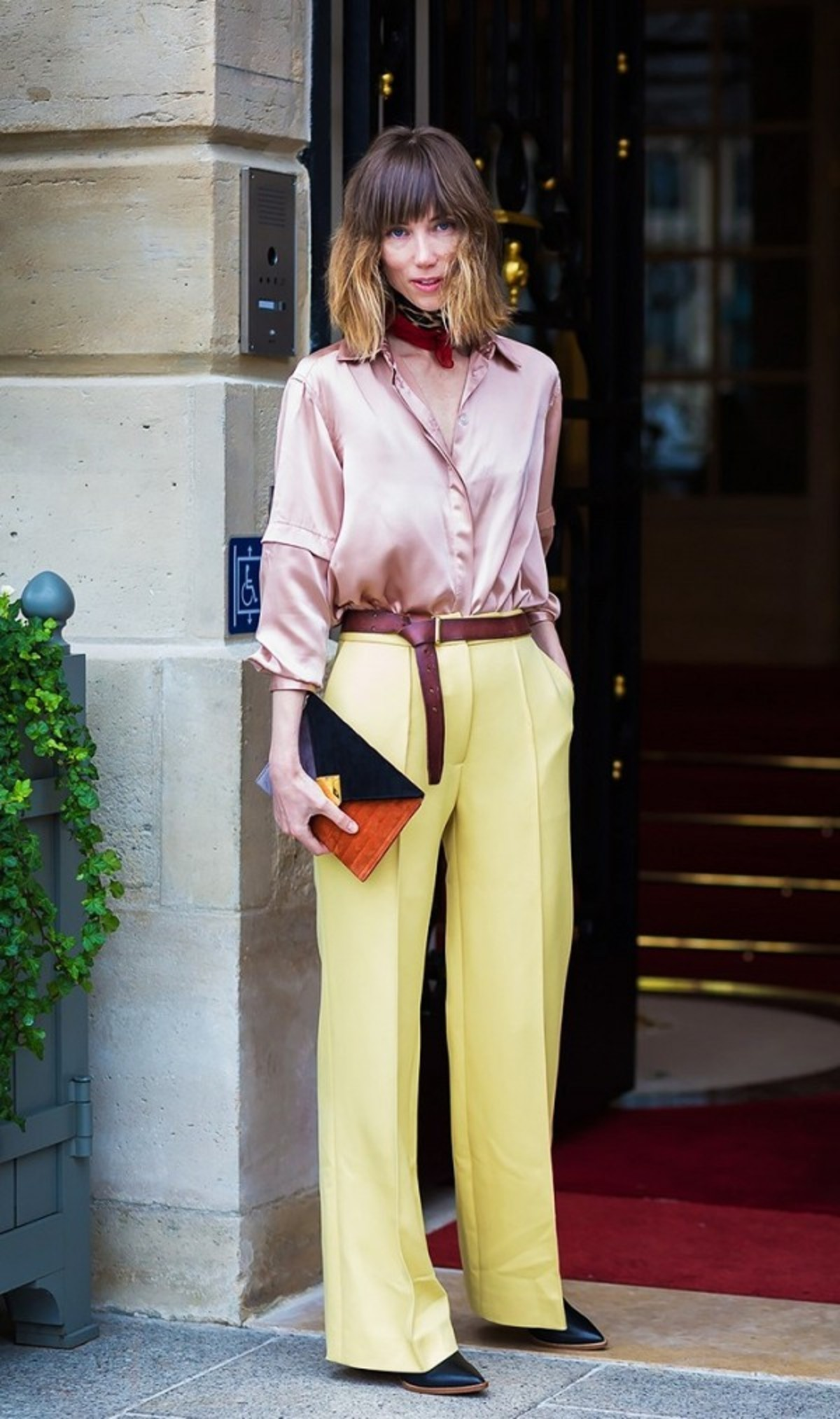 5-new-work-outfit-ideas-that-arent-boring-1934149.600x0c