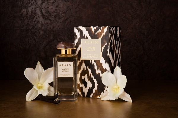 AERIN Tangier Vanille_Bottle + Package on Background 1_Global_Expiry August 2017