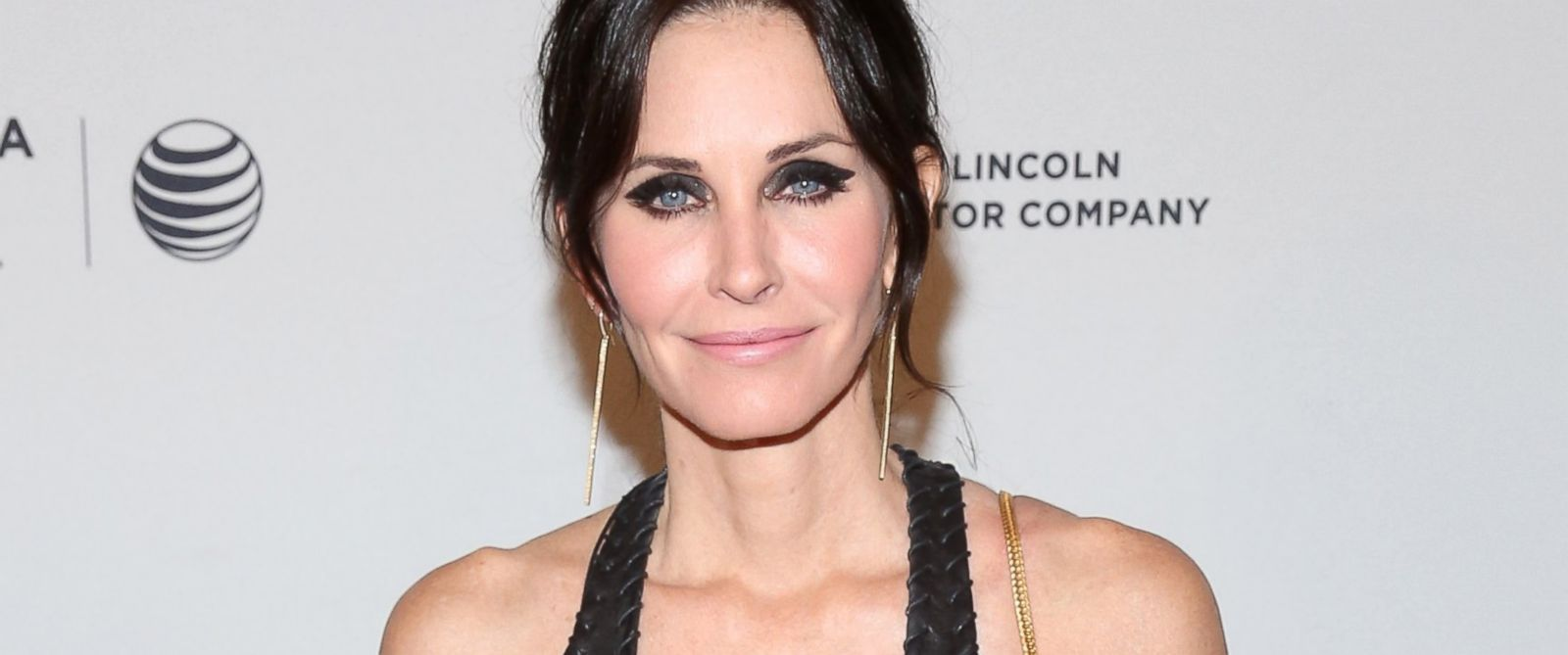 GTY_courteney_cox_kab_140617_31x13_1600