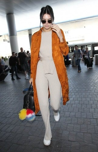 Kendall-Jenner-Wearing-Kenneth-Cole-Sneakers (1)