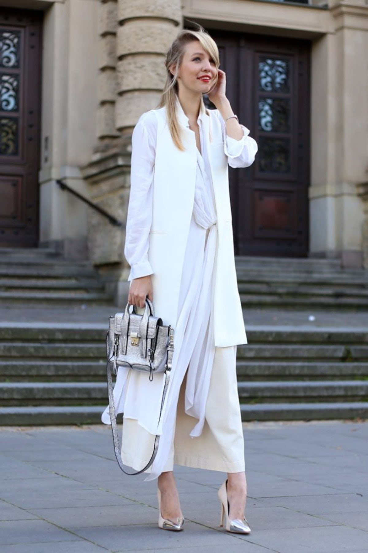 Play-proportions-layering-separates-same-color-different-lengths-silhouettes