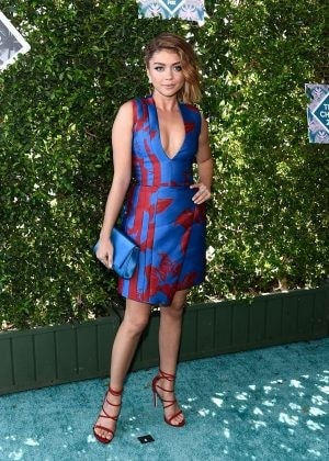 Sarah-Hyland--Teen-Choice-Awards-2016--05-300x420