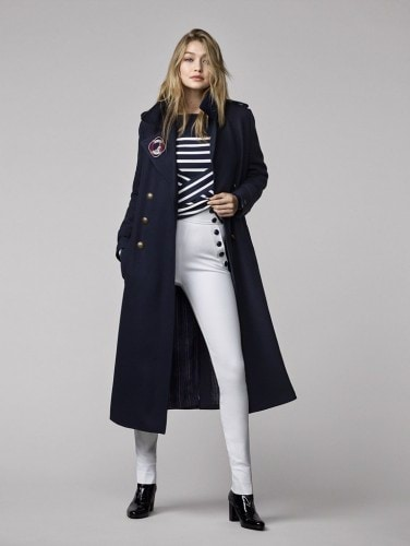 She-knows-Fall-isnt-complete-without-navy-colored-trench