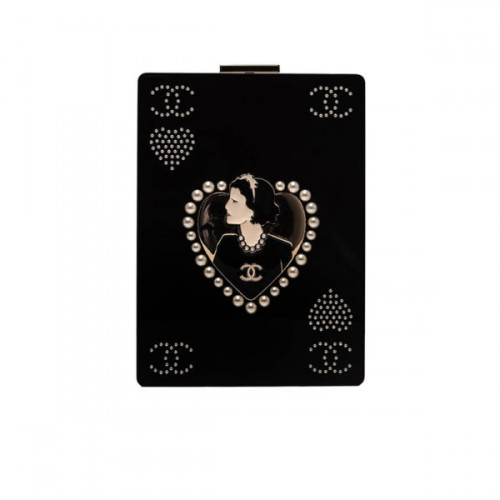 chanel-jeweled-clutch-chanel-bags-600x600