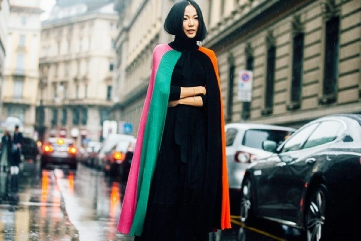 how-to-wear-a-cape-its-not-as-complicated-as-you-think-1877536-1471885588.600x0c