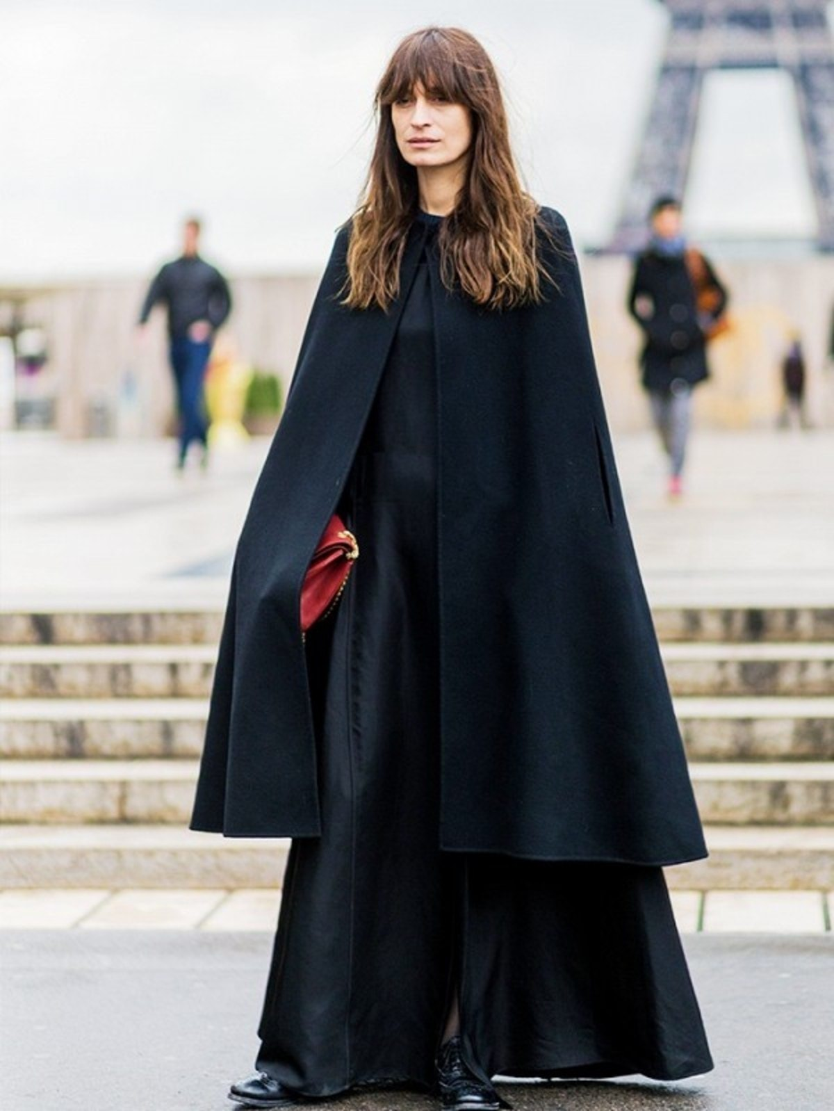 how-to-wear-a-cape-its-not-as-complicated-as-you-think-1877538-1471885588.600x0c (1)