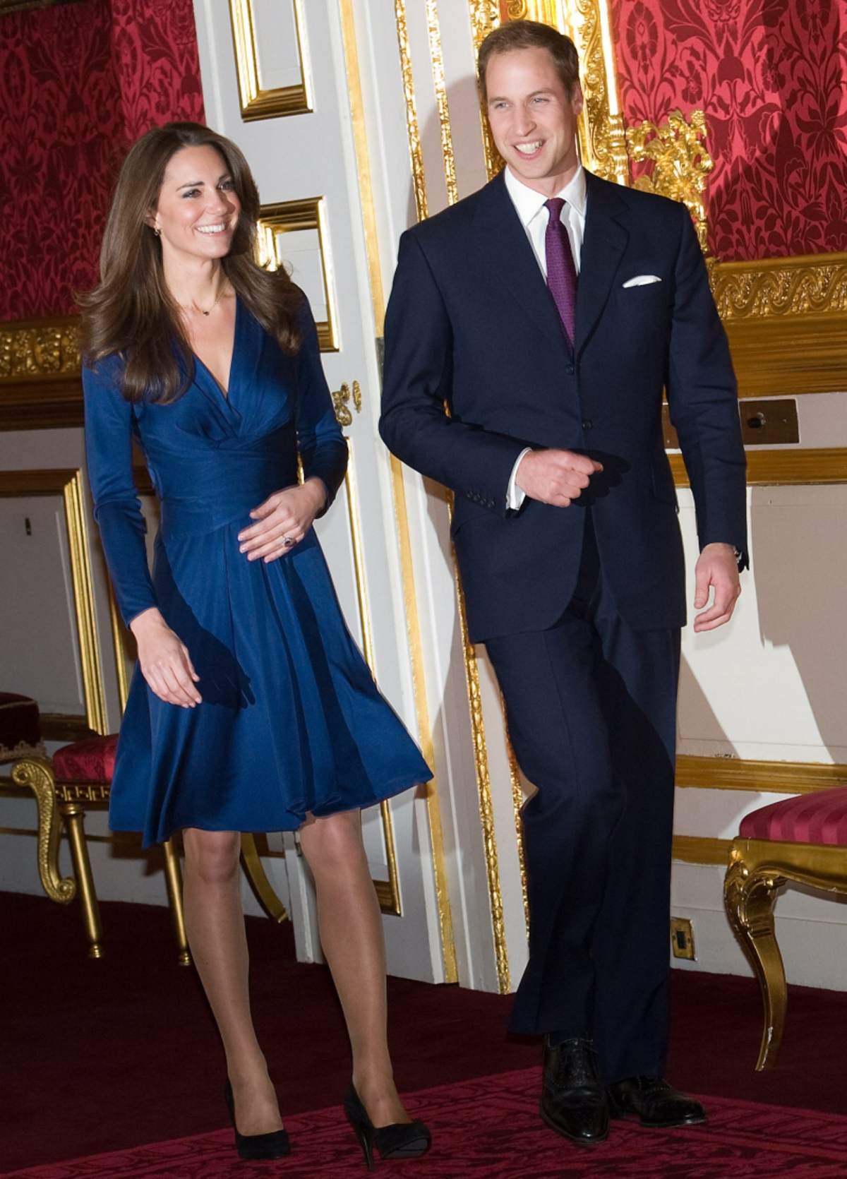 kate-middleton-blue-wrap-dress-engagement