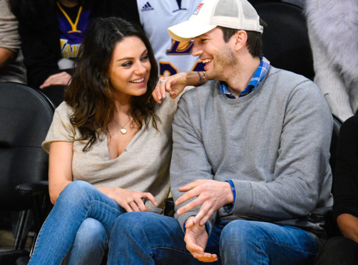 rs_560x415-141220091957-1024.Ashton-Kutcher-Mila-Kunis-Date-Night-Lakers.jl.122014
